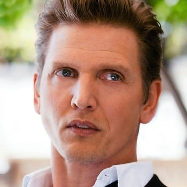 Barry Pepper Image