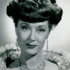 Jane Farrar Image