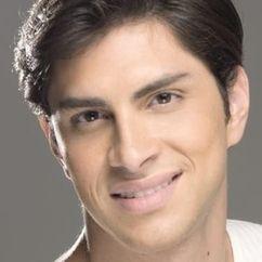 Cesar Flores Image