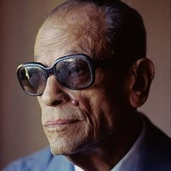 Naguib Mahfouz Image