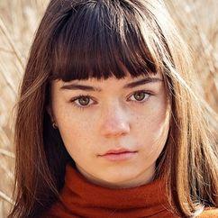 Ella Lee Image