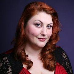 Joy Nash Image