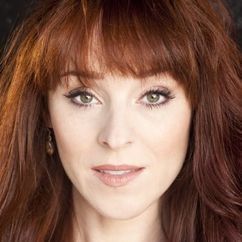 Ruth Connell Image