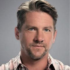 Zachary Knighton Image