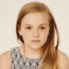 Maisy Stella Image