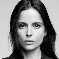 Elena Anaya Image