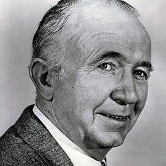 Walter Brennan Image