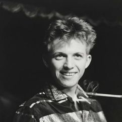 Tommy Steele Image