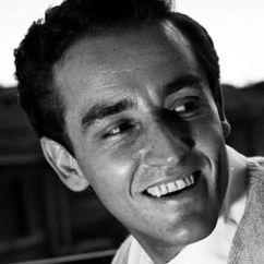 Vittorio Gassman Image