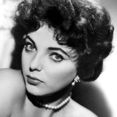 Joan Collins Image