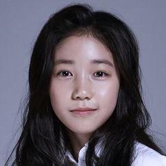 Lee Re Image