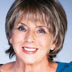 Sue Johnston Image