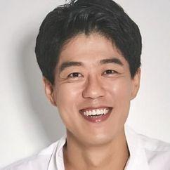 Kim Joong-ki Image