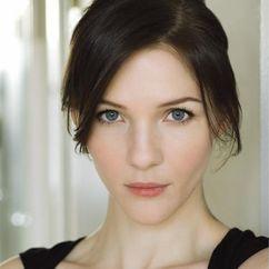 Jessica Collins Image