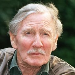 Leslie Phillips Image
