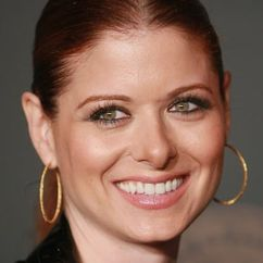 Debra Messing Image