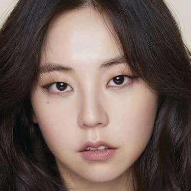 Ahn So-hee Image