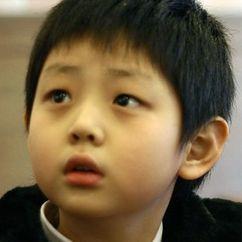 Kim Hee-Soo Image