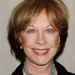 Christina Pickles Image