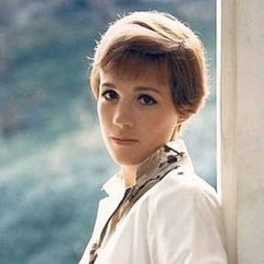 Julie Andrews Image