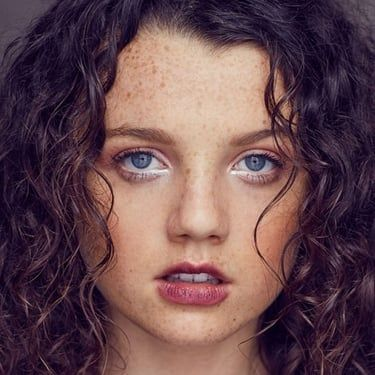 Stefania LaVie Owen Image