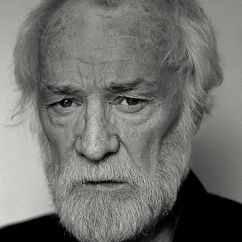 Richard Harris Image