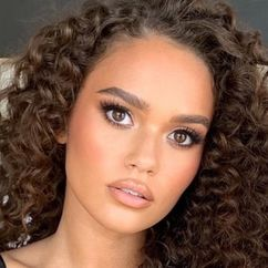 Madison Pettis Image