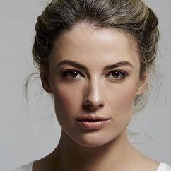 Jenna Saras Image