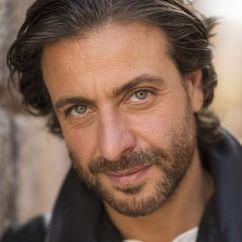 Adam Levy Image