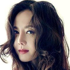 Yum Jung-ah Image