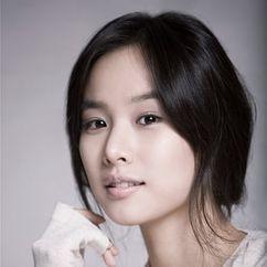 Jo Yoon-hee Image