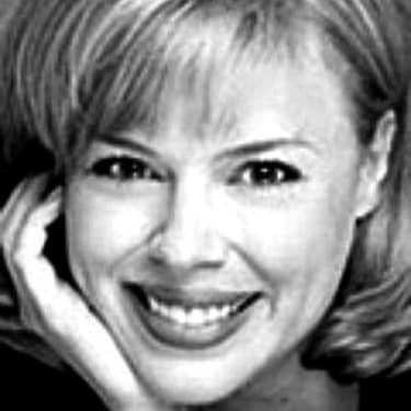 Robyn Lynne Raab