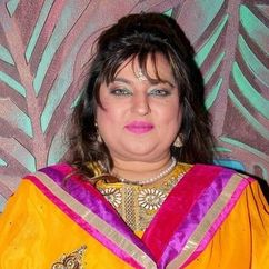 Dolly Bindra Image