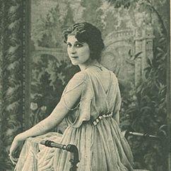 Yvette Andréyor Image