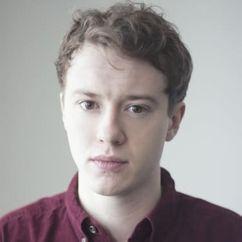 Joseph Quinn Image