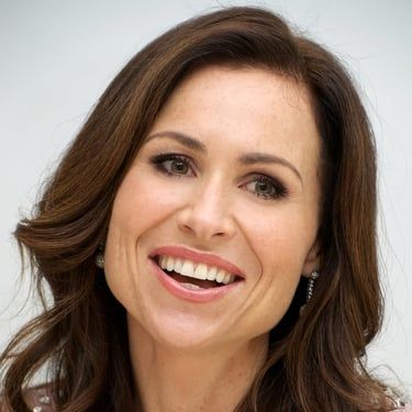 Minnie Driver Image