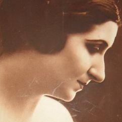 Lola Braccini Image