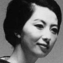 Akiko Koyama Image