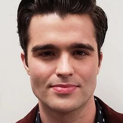 Spencer Boldman Image