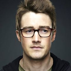 Robert Buckley Image
