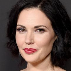 Laura Mennell Image