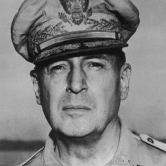 Douglas MacArthur Image