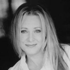 Karri Turner Image