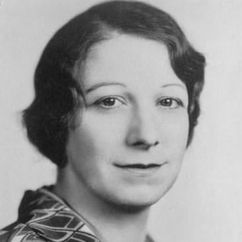 Ruth Warren Image
