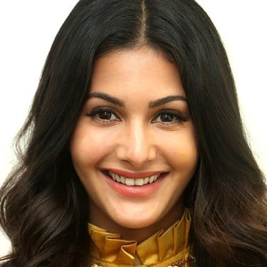 Amyra Dastur Image