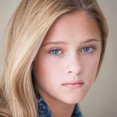 Lizzy Greene Image