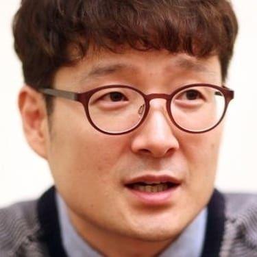 Park Hoon-Jung Image