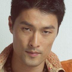 Johnny Trí Nguyễn Image