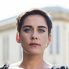 María León Image