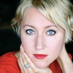 Lauren Lakis Image